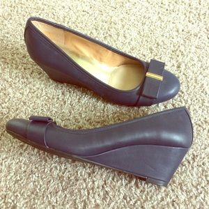 Tommy Hilfiger dark navy wedge heels with bow.
